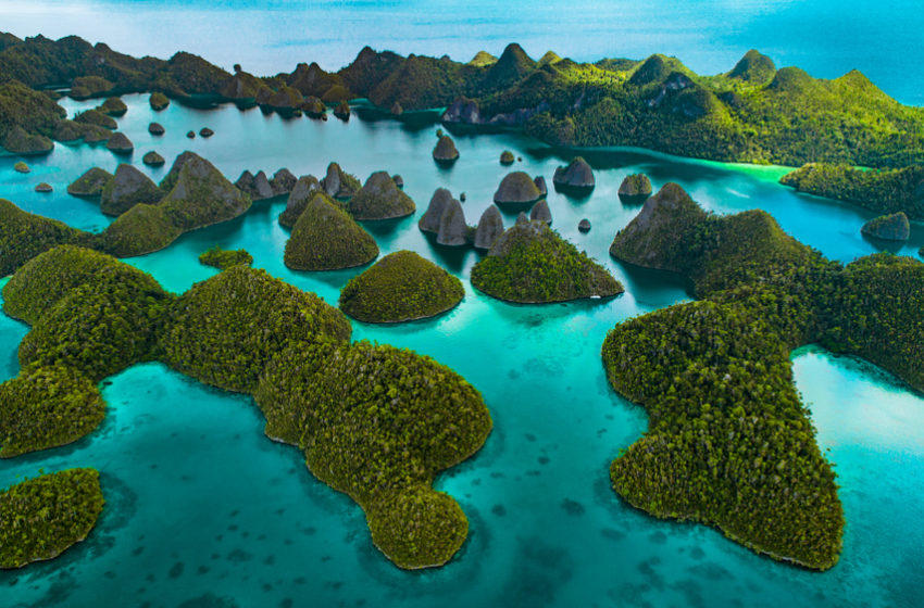 Amazingly colorful natural wonders on the Earth